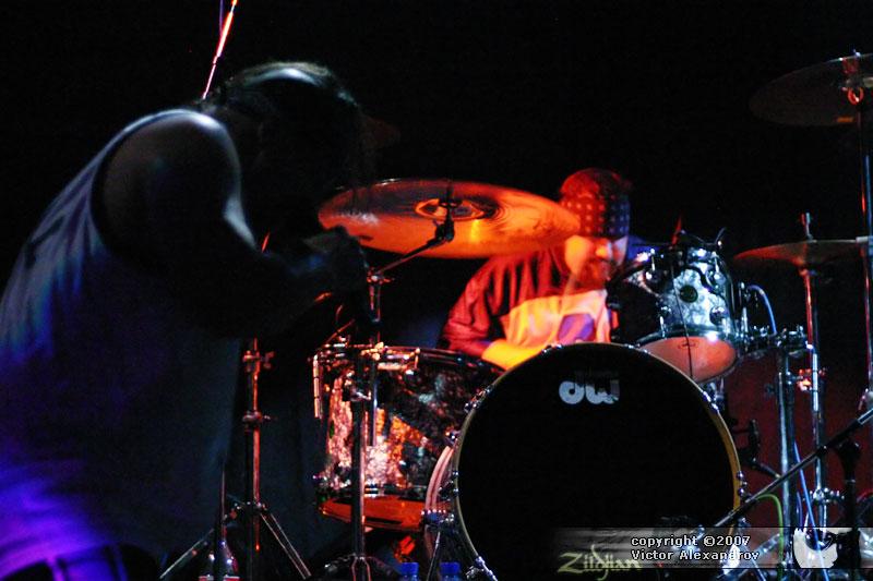 Cyco Miko & drummer