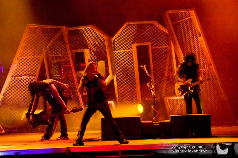 Nikki Sixx, Vince Neil & Mick Mars